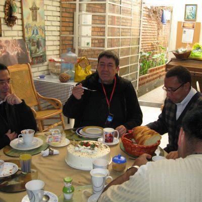 Compartiendo con el Padre Victor Camacho - Bogotá Colombia