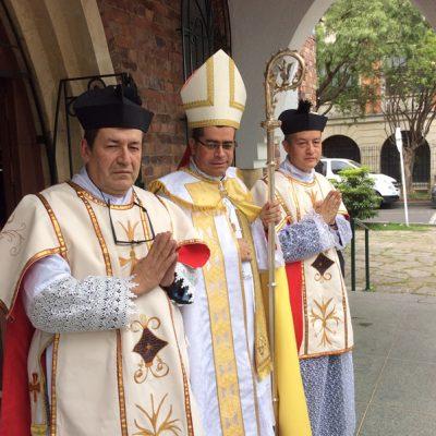 Con Monseñor Medardo Henao Obispo de Mitú - Colombia