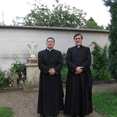 Con el Padre Perrel - Courtalain Francia