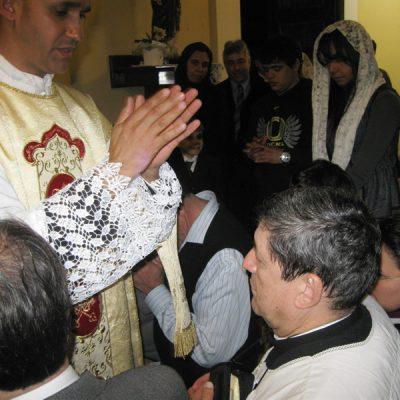 Recibiendo la bendición sacerdotal - Sao Pablo Brasil
