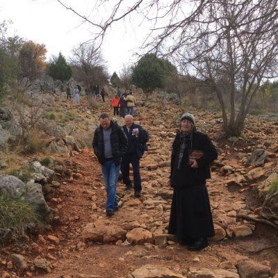 Subiendo al lugar de aparición de la Virgen - Medjurgorje