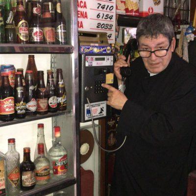 Col_Bucaramanga_Las_tiendas_de_barrio-Telefono_Monedero_Como _Los_Malos_Amigos_Que_Cuando_Se_Llenan_de_plata_ya_no_sirven